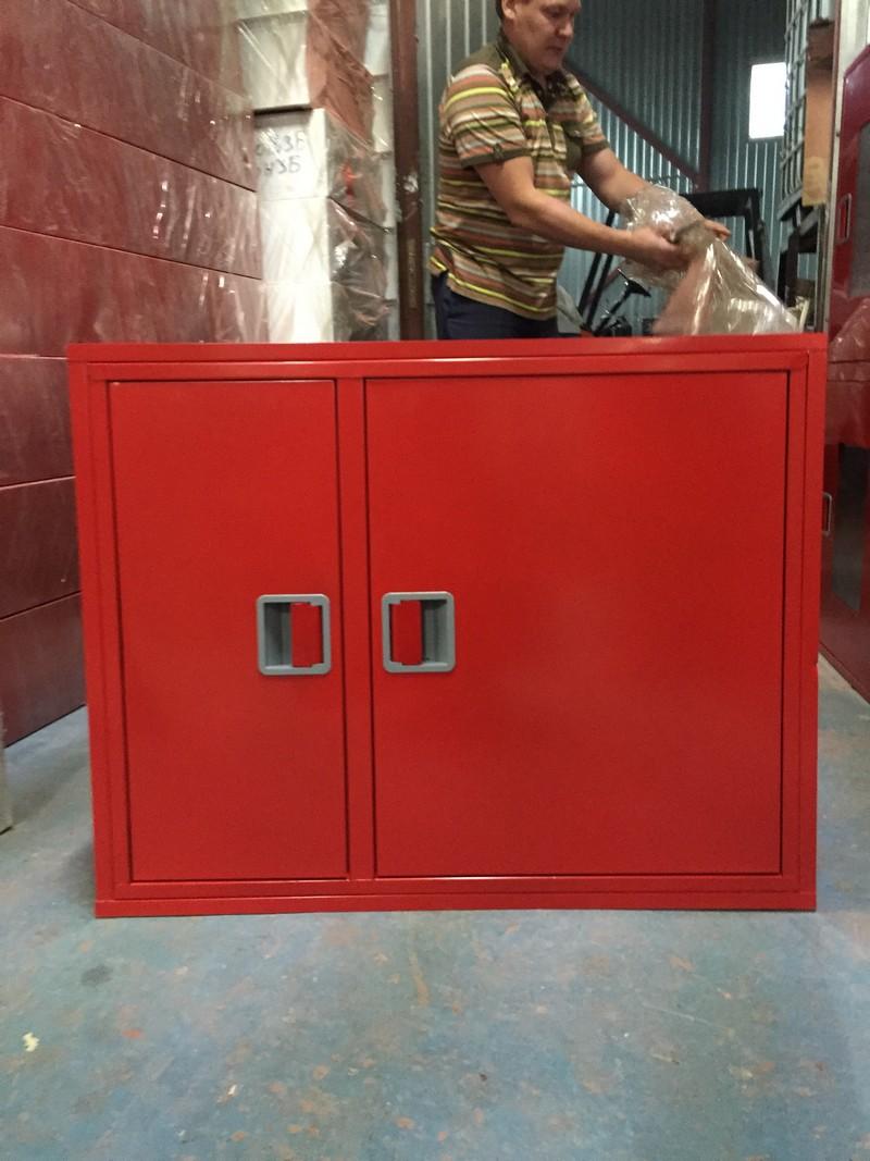 Двойной пожарный шкаф