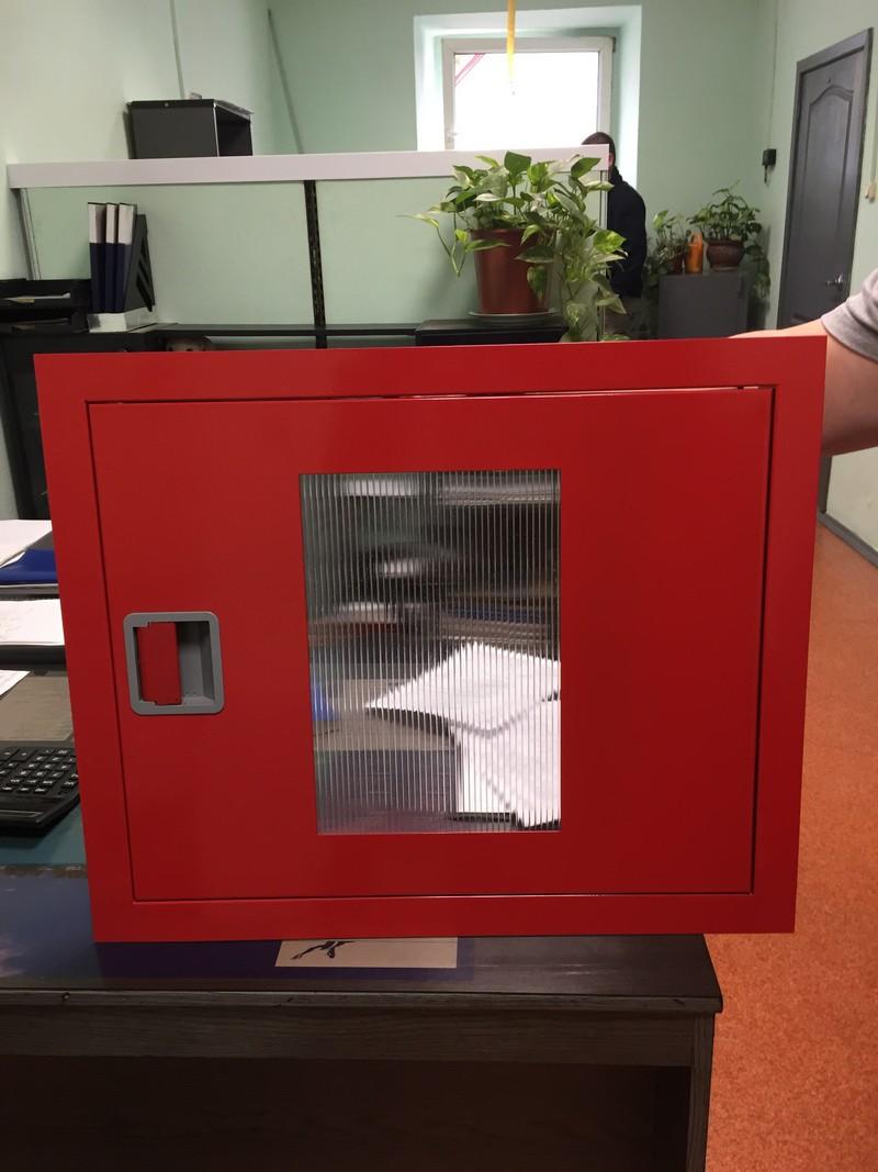Пожарный шкаф со стеклом